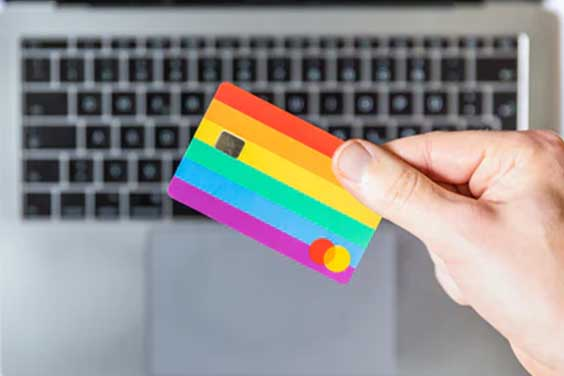 Person-holding-a-credit-card