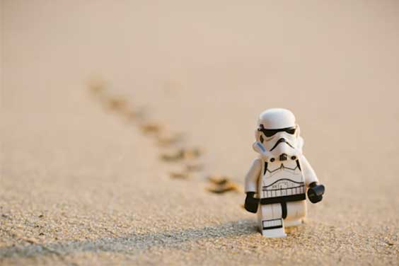 Toy-on-sand